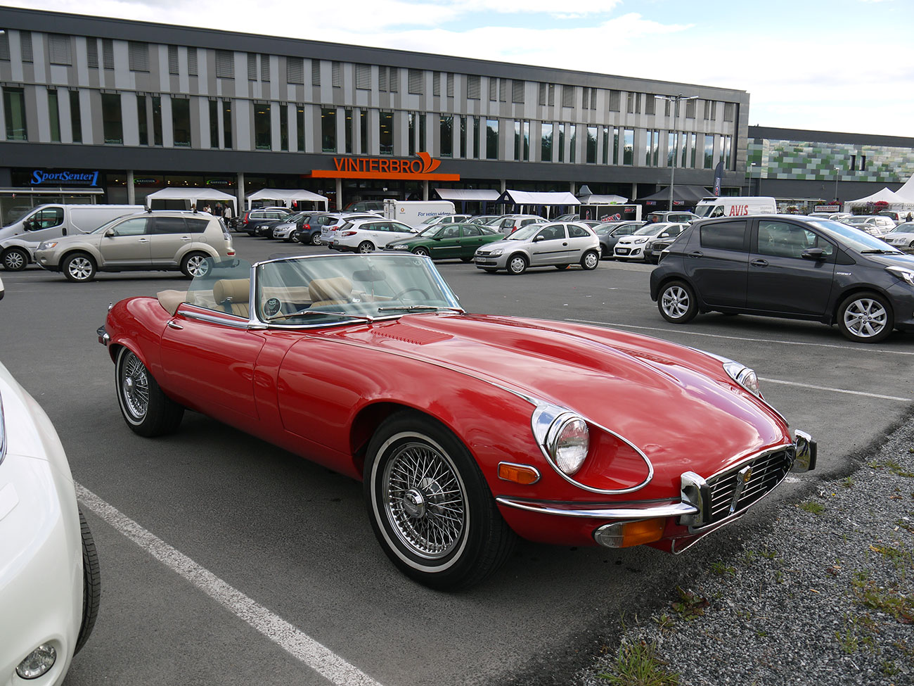 1974 Jaguar E-type Series 3 V-12 Roadster