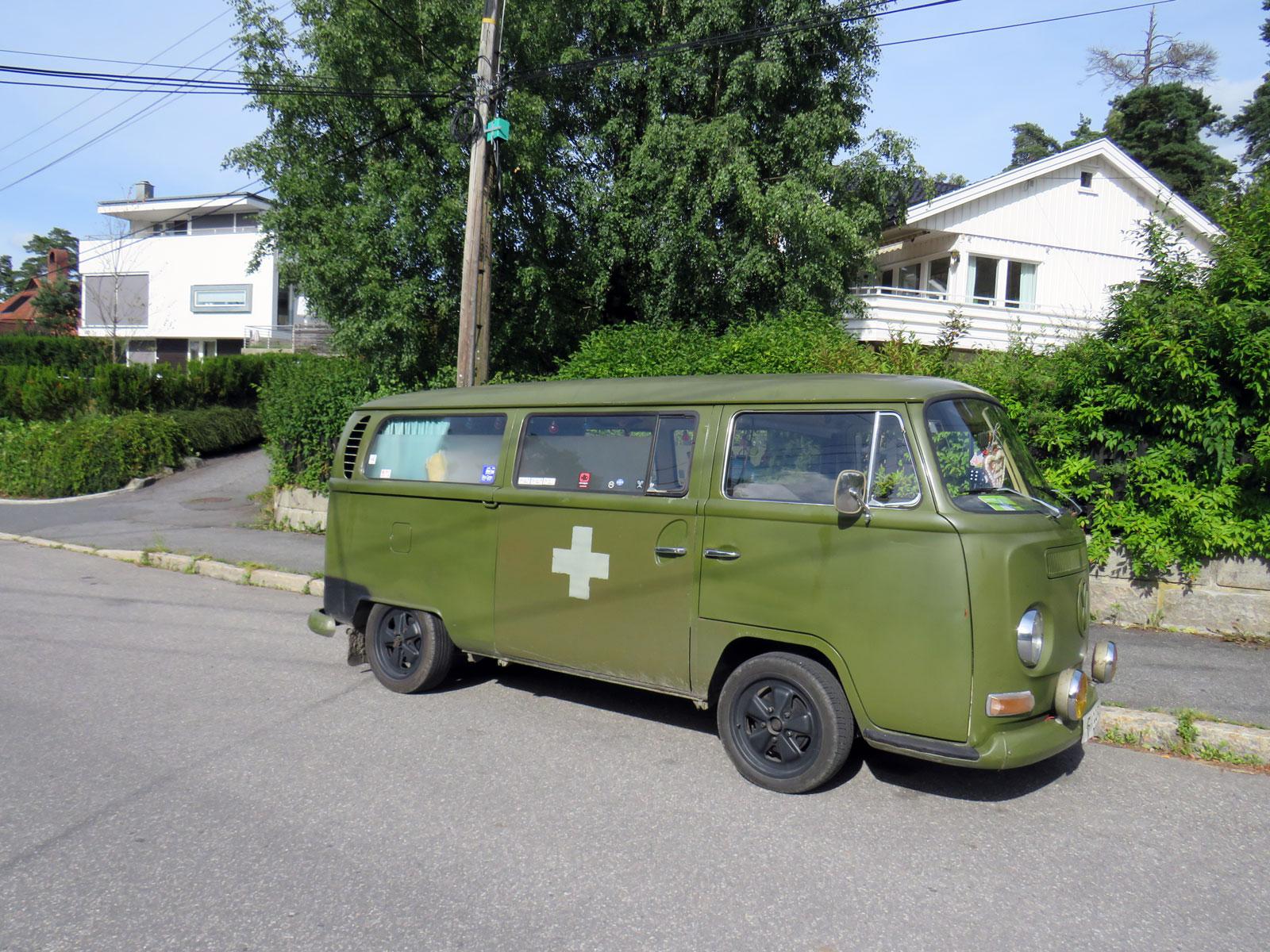 1969 Volkswagen Kombi Transporter Type 2 minibus