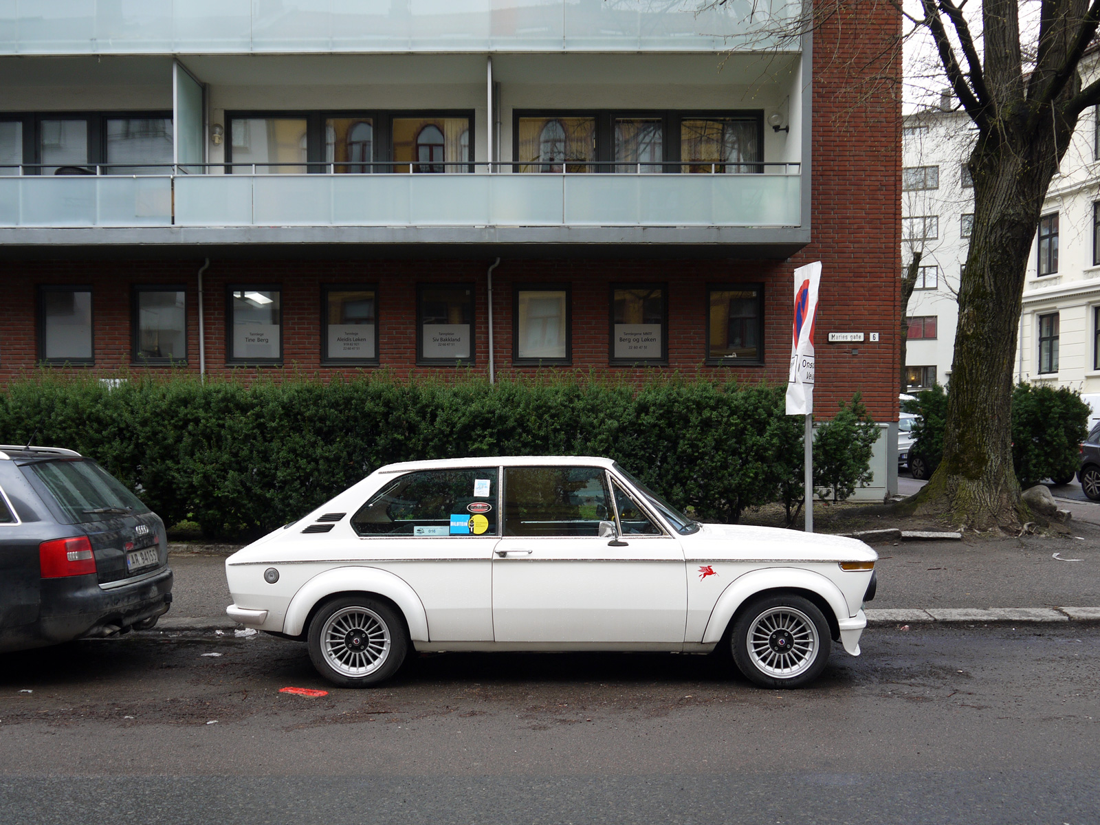 1972 Bmw 2000 Touring E10 Station wagon Oslo old parked cars