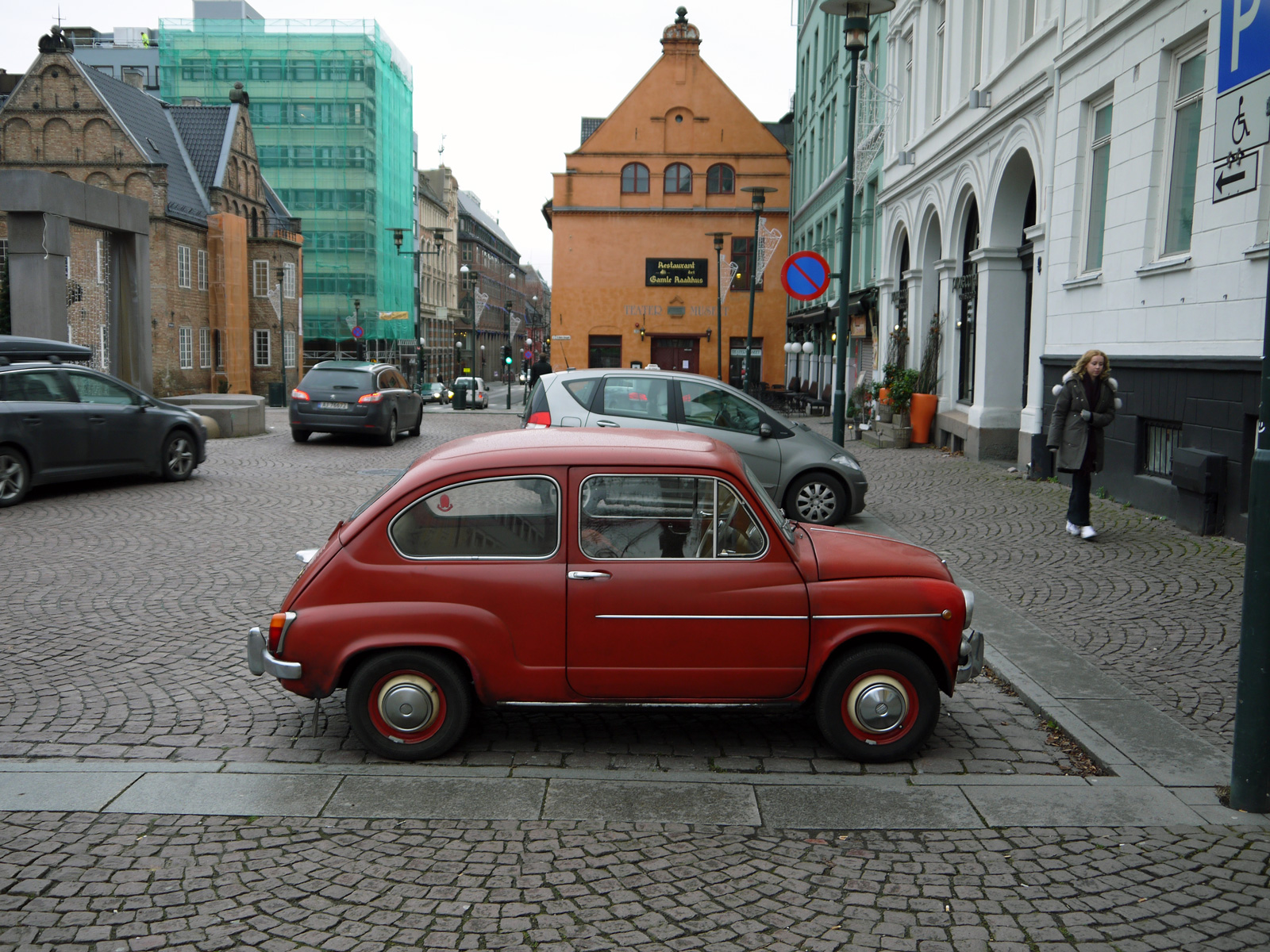 1955 Fiat 600 Seicento old parked cars oslo norway