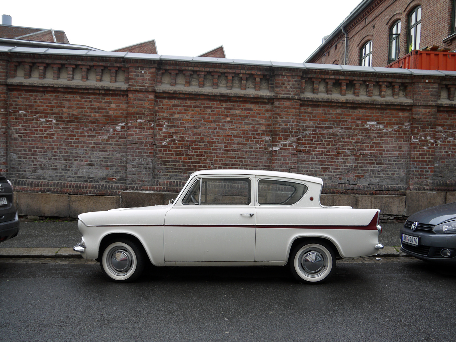 1962 Ford Anglia Deluxe Super 105E 123e Old parked cars