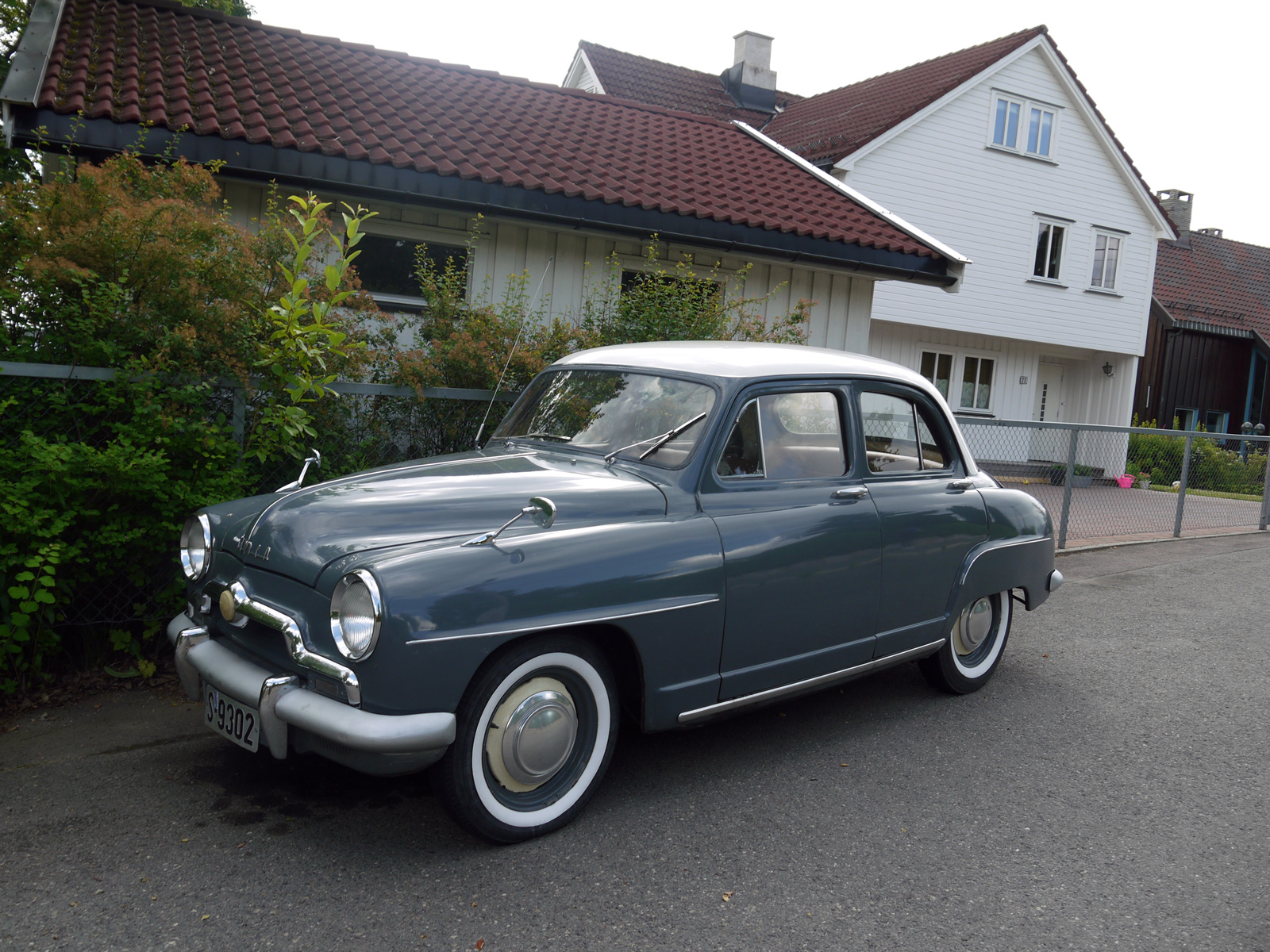 1953 Simca 9 Aronde classic car Oslo french