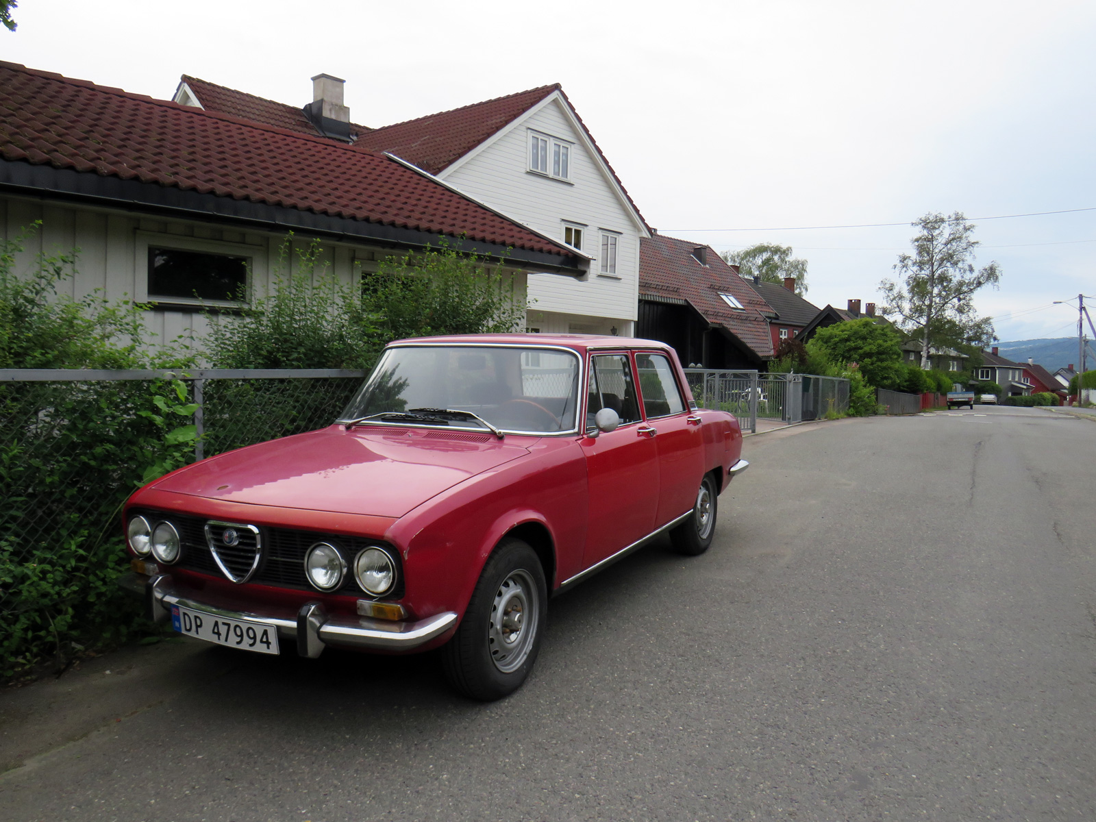 1973 Alfa Romeo 2000 Berlina 105 series italian sports sedan