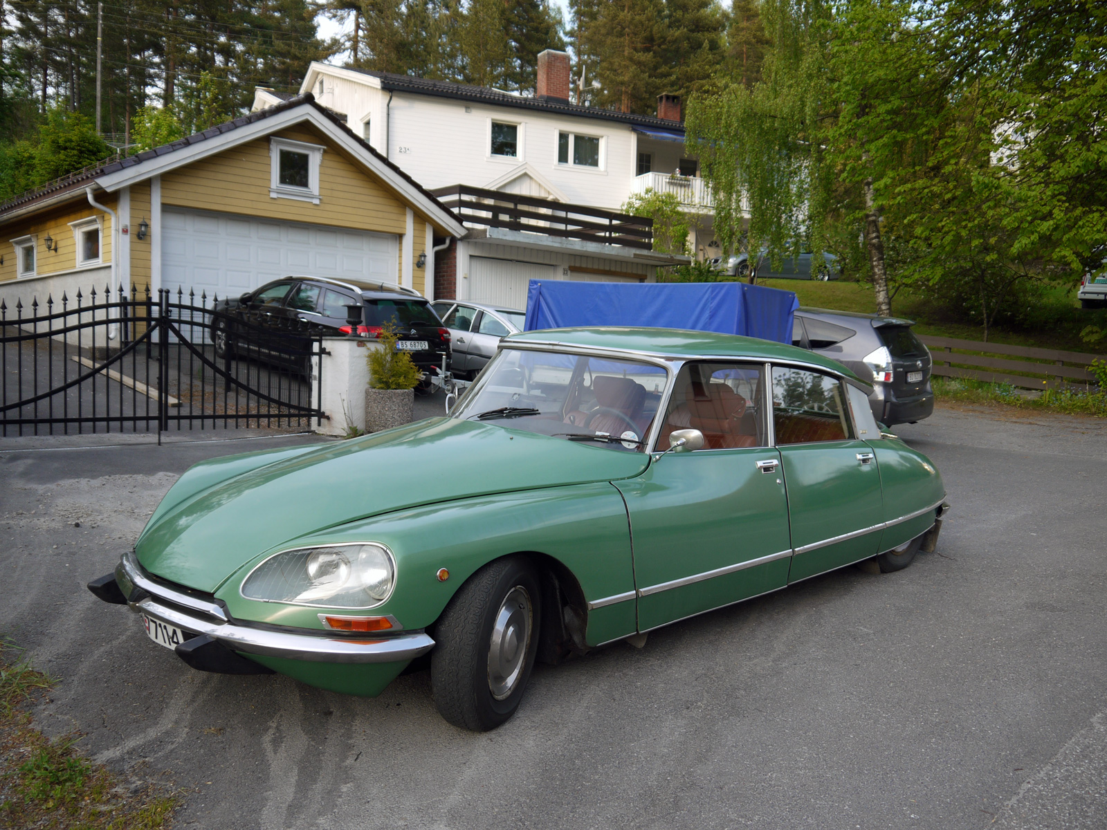 1975 Citroen DS23 Pallas ID french classic car