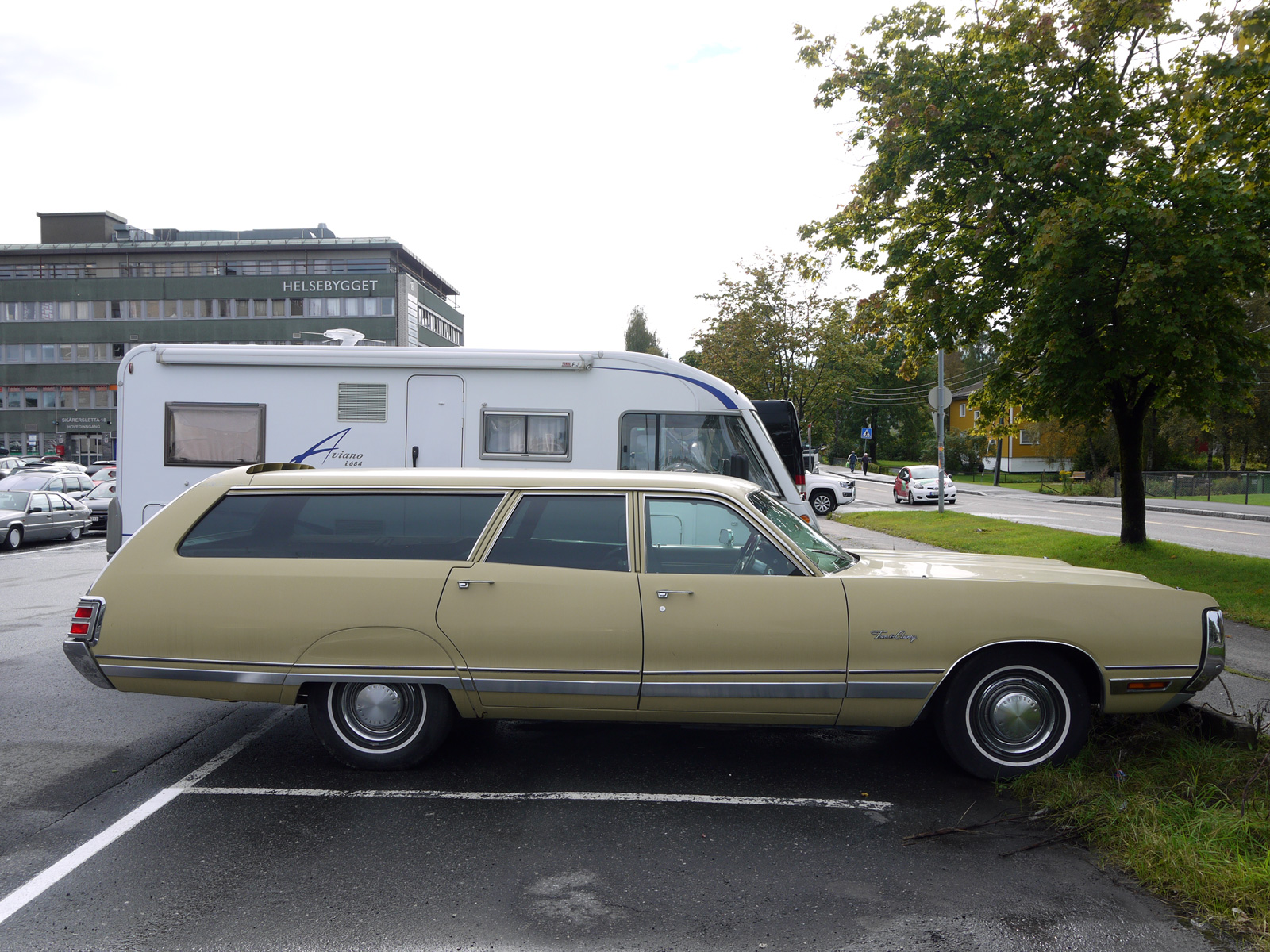 1972 Chrysler Town & Country New Yorker fuselage design
